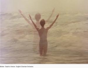 Britten Death in Venice jeux sur la plage